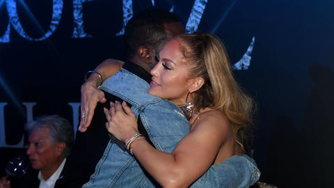 jennifer-lopez-abrazando-a-diddy-after-party-2018