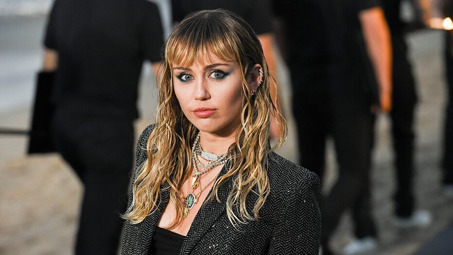 Miley-Cyrus-GettyImages-1154326430
