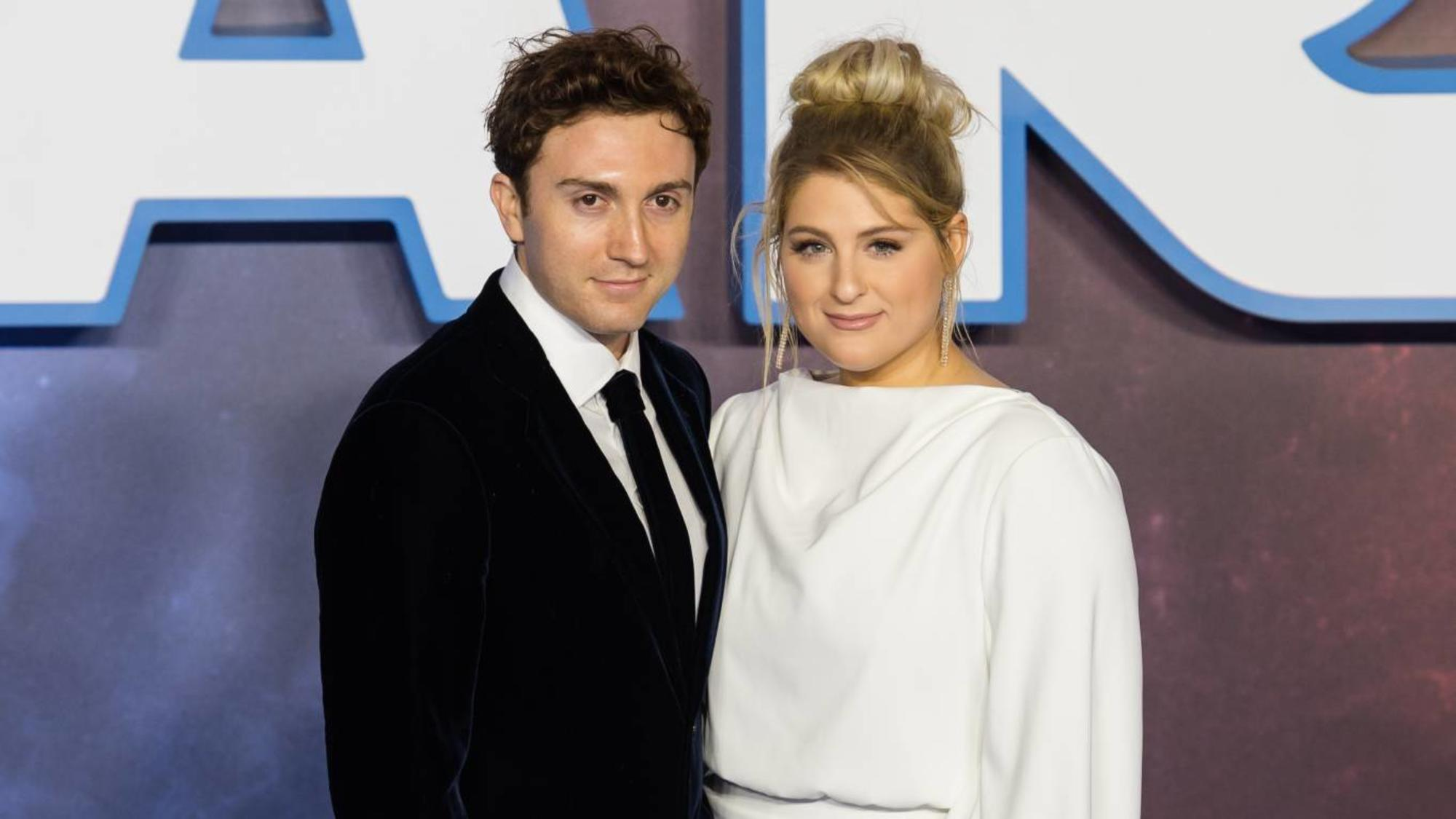 daryl-sabara-meghan-trainor-premier-the-rise-of-skywalker