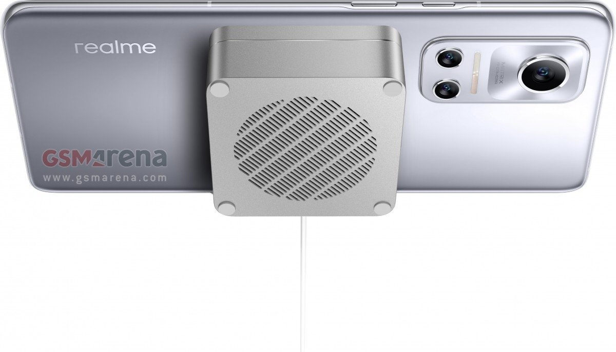 realme-magnetic-charge
